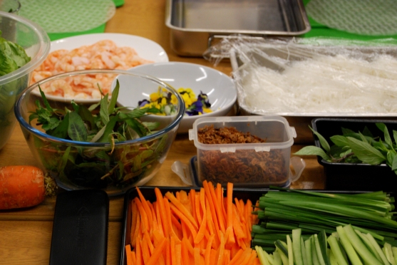 Table of ingredients for summer rolls